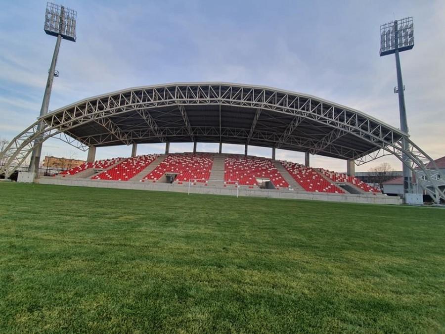 Ce firmă a câștigat contractul pentru finalizarea Stadionului UTA; primarul Bibarț speră că echipa va putea juca, din vară, aici