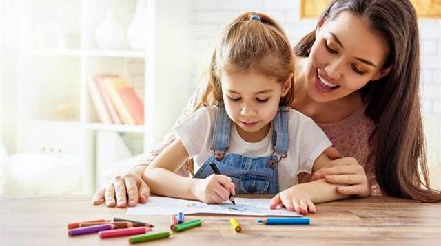 Părinții își pot lua zile libere plătite pentru a avea grijă de copii și pe timpul vacanței
