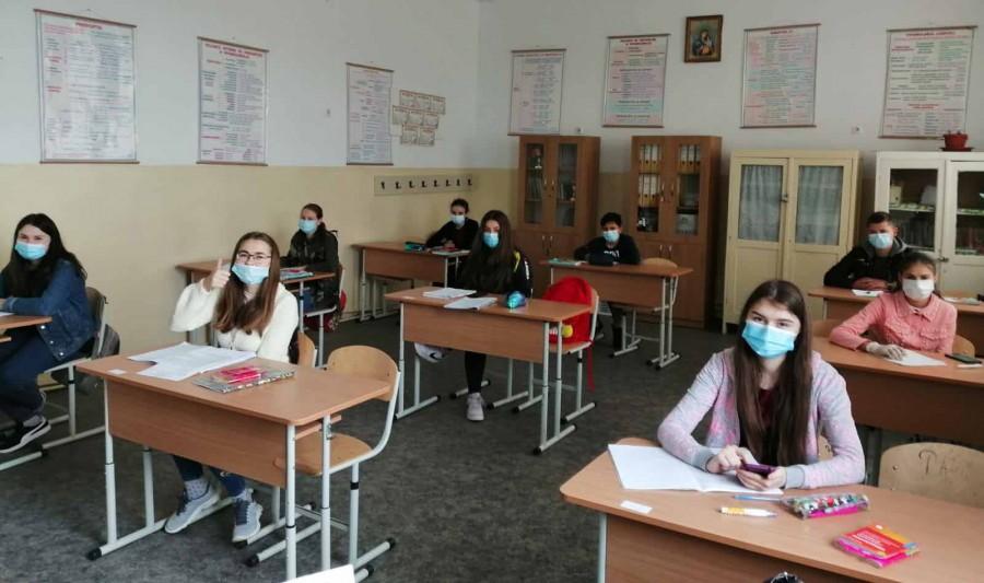 Bacalaureat 2020, etapa specială. Astăzi are loc proba la Limba și literatura română